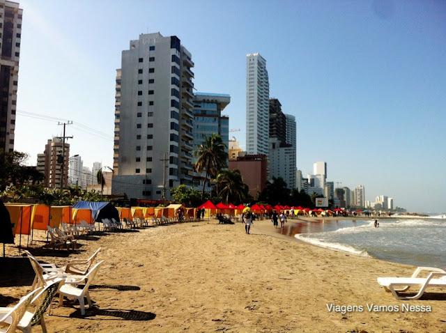 Praia do bairro Bocagrande em Cartagena