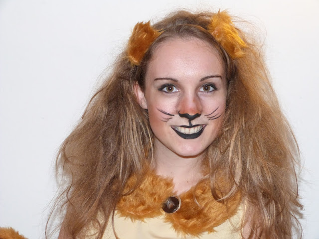 Trends With Benefits DIY Lion Costume