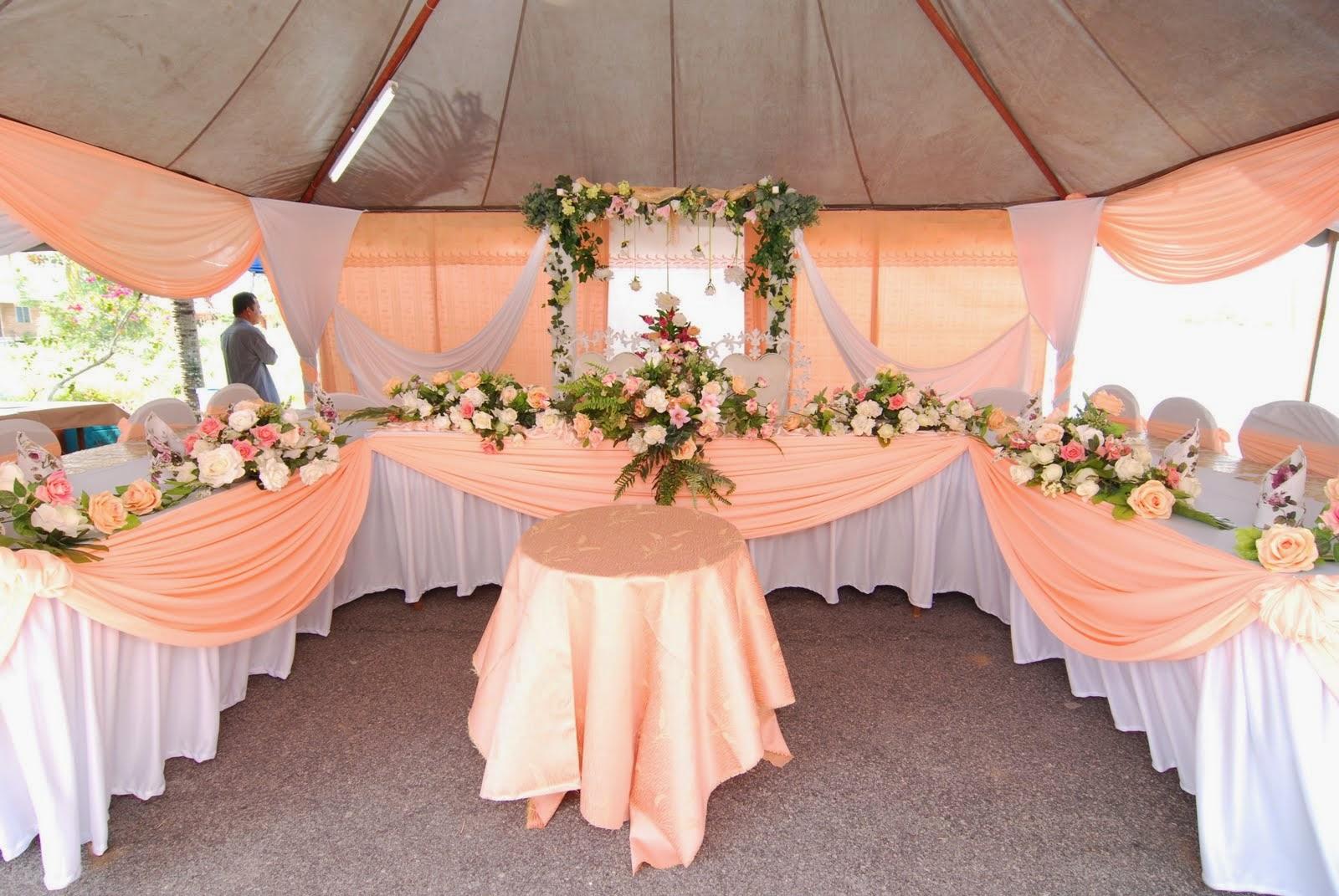 Hiasan meja makan pengantin keren