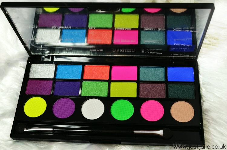Makeup Revolution Colour Chaos Eyeshadow Palette review