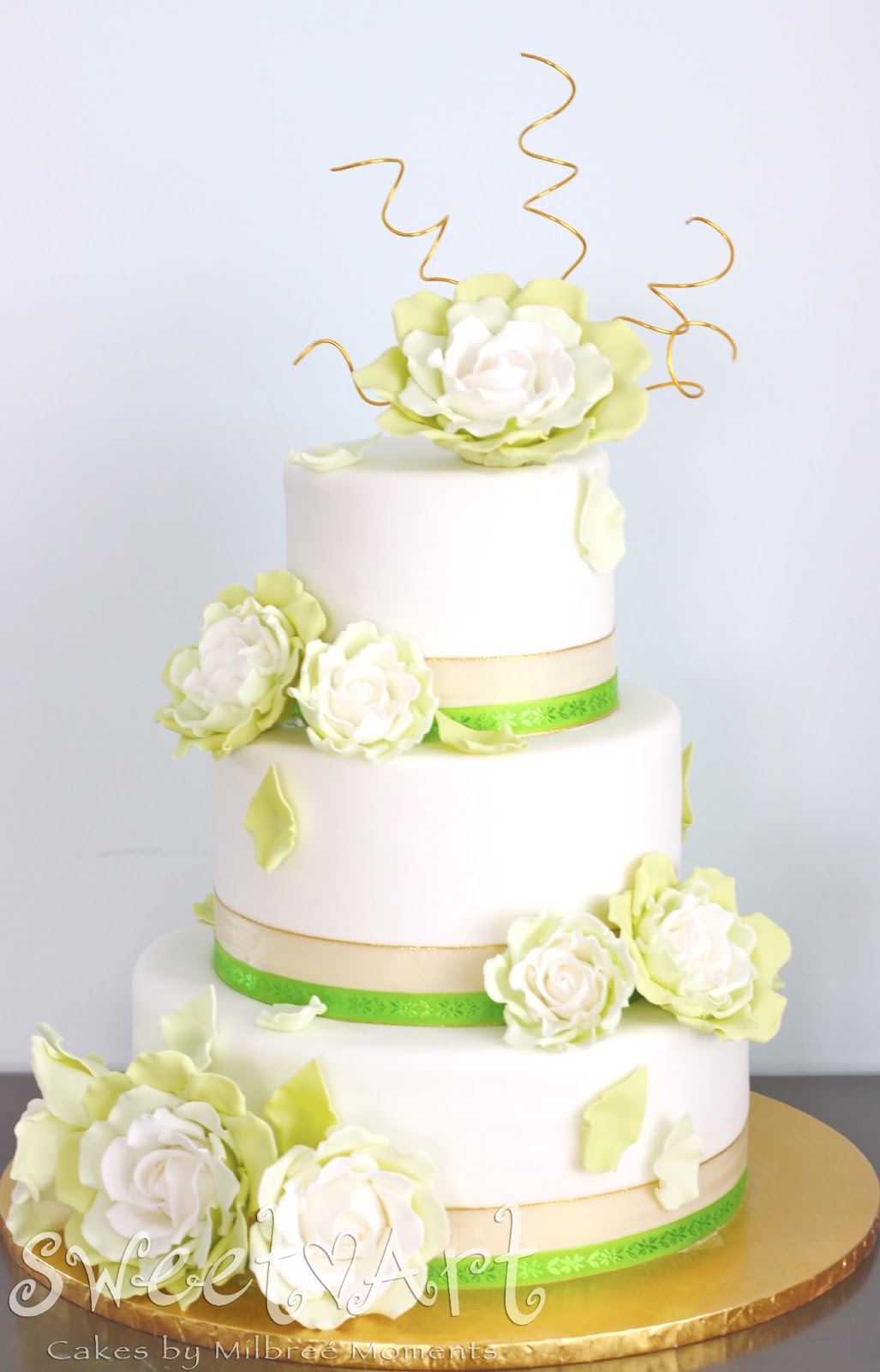 Sweet Art Cakes by Milbreé Moments: Gold & Lime Green Roses Wedding Cake