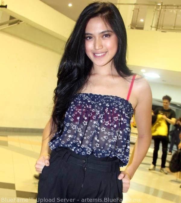 Intip! Pakaian Tembus Pandang Milik Jessica Iskandar ~ NBnews