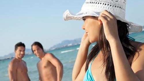 Đàn ông mất tập trung khi gặp gái đẹp, còn phụ nữ thì không