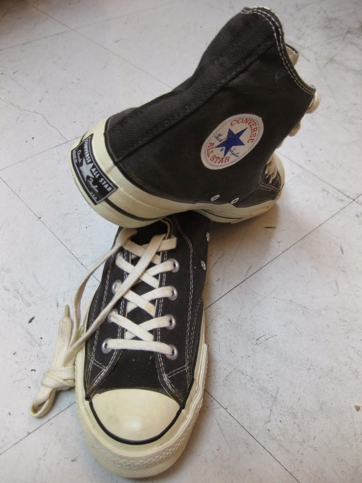 70's DEAD STOCK                CHUCK TALOR HI.               BLACK