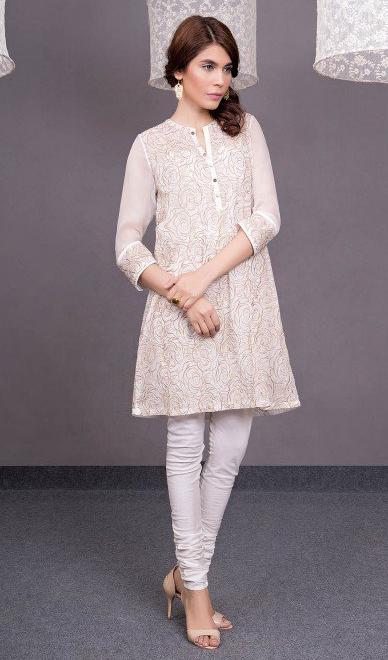 amna babar in white Kayseria kurta