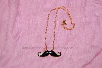 Colgante mustache