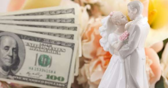 Wedding Gift Etiquette Receiving : Cash Wedding Etiquette ~ Learn Wedding Etiquette