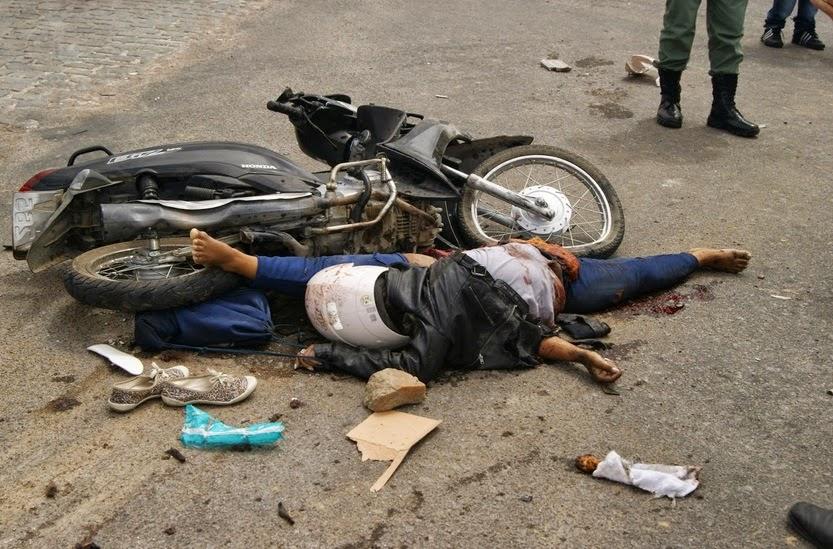 BLOG DO ELISBERTO COSTA: Mototaxista morre em acidente na