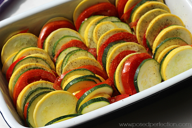 This delicious Stoplight Vegetable Dish is made with simple vegetables arranged in an extra-ordinary way .