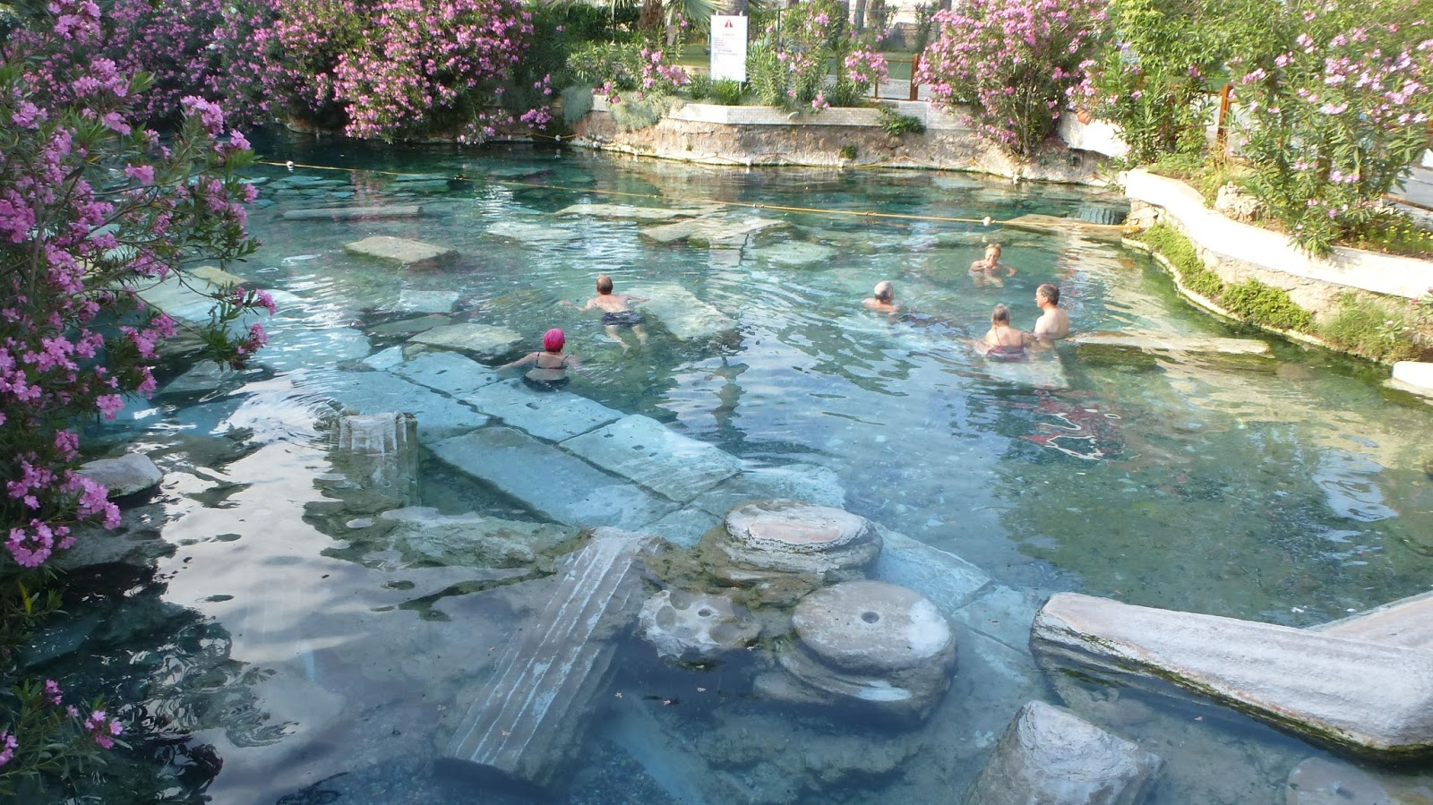 Zachary en voyage pamukkale turquie for Piscine thermale