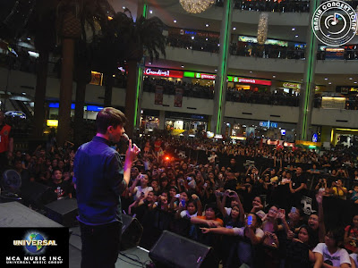 Greyson Chance performing in Manila - November 2012 Video