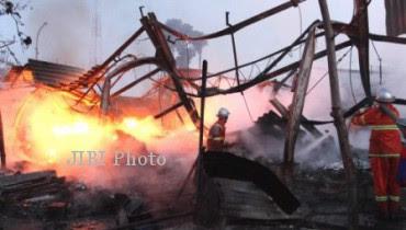 Enam Kios Pasar Juwangi Terbakar