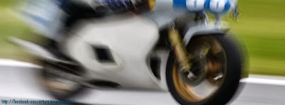 Photo de couverture facebook moto