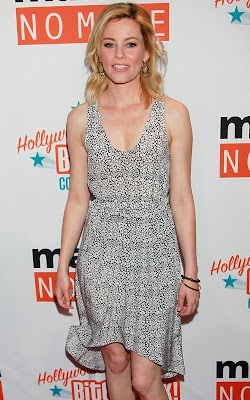 Elizabeth_Banks_hot_celebrity_moms_FilmyFun.blogspot.com