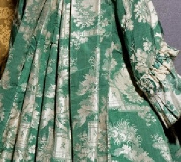Silkdamask A Beautiful Bizarre Silk Robe Volante C 1720s