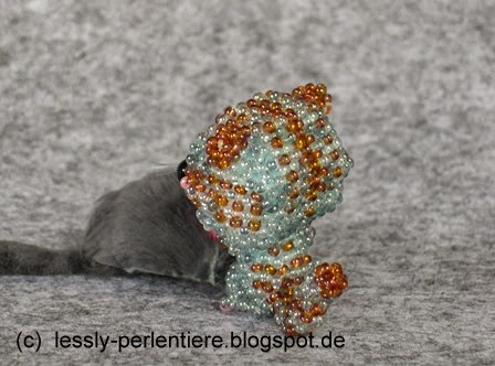 http://lessly-perlentiere.blogspot.de/2014/06/big-head-doll-katze.html