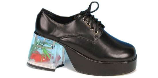 Fish tank under your shoe jumi for Platform shoes with fish