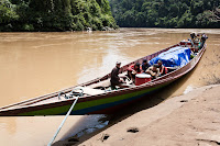 the longboat at the confluence of the Kayan and Pujungan rivers