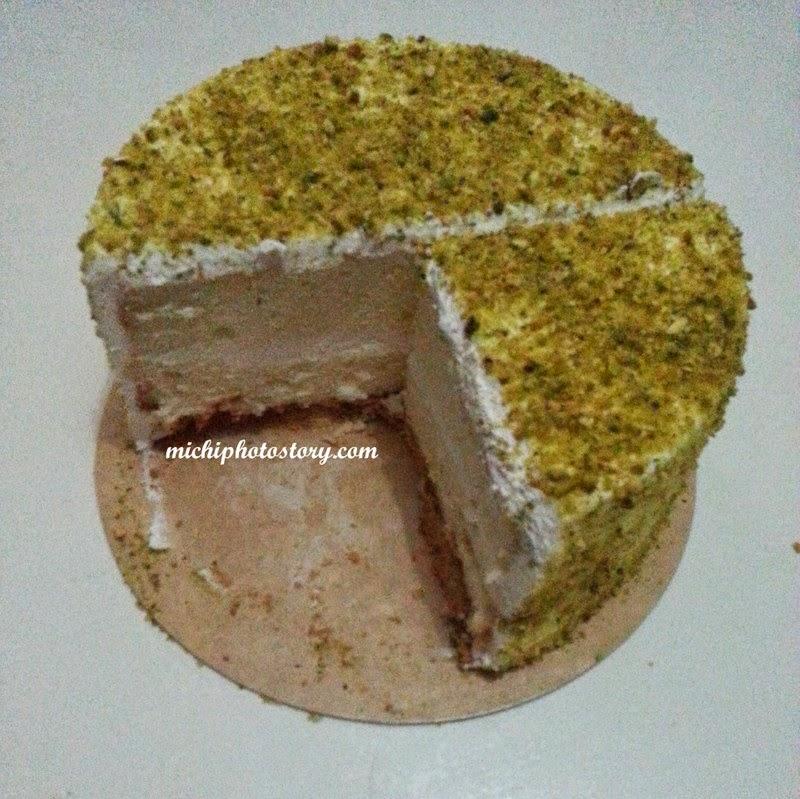 Pistacio Chocolate Cake