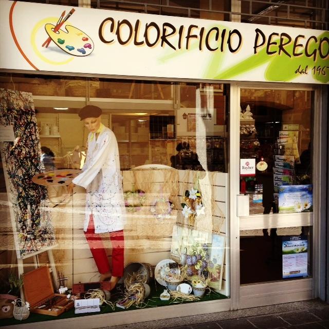 Shopping in famiglia 39 vetrine in vesta for Perego arredamenti cernusco