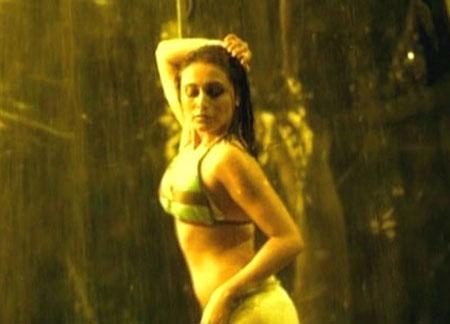 Rani Mukherjee Hot Bikini