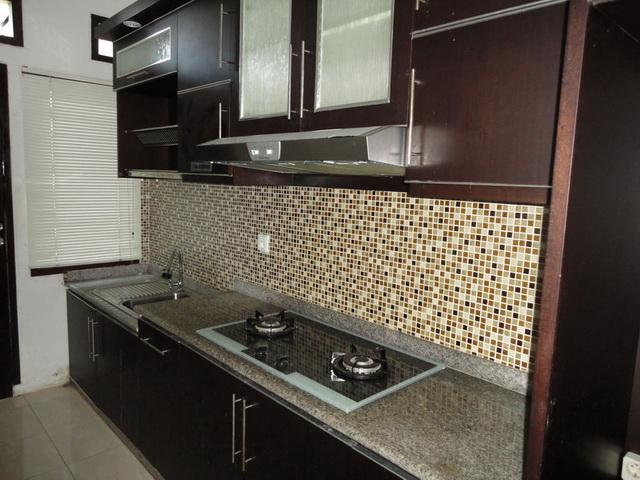 Rumah dijual di yogyakarta rumah siap huni di tengah for Harga pasang kitchen set