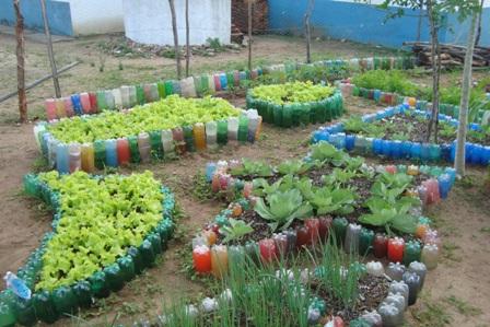 Vivendo com ci ncia transformando o p tio escolar em - Decorar jardines con materiales reciclados ...