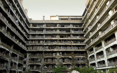 อาคารและซากปรักหักพังบนเกาะฮาชิมะ