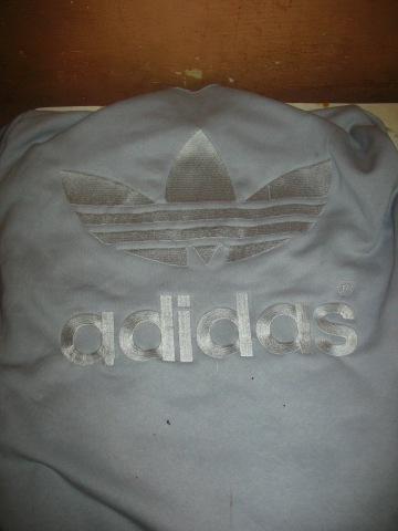 http://4.bp.blogspot.com/-syesHh1s9Nw/T0YUylmdCQI/AAAAAAAAATM/KdbOARzZGBI/s1600/jaket+adidas+%282%29.jpg