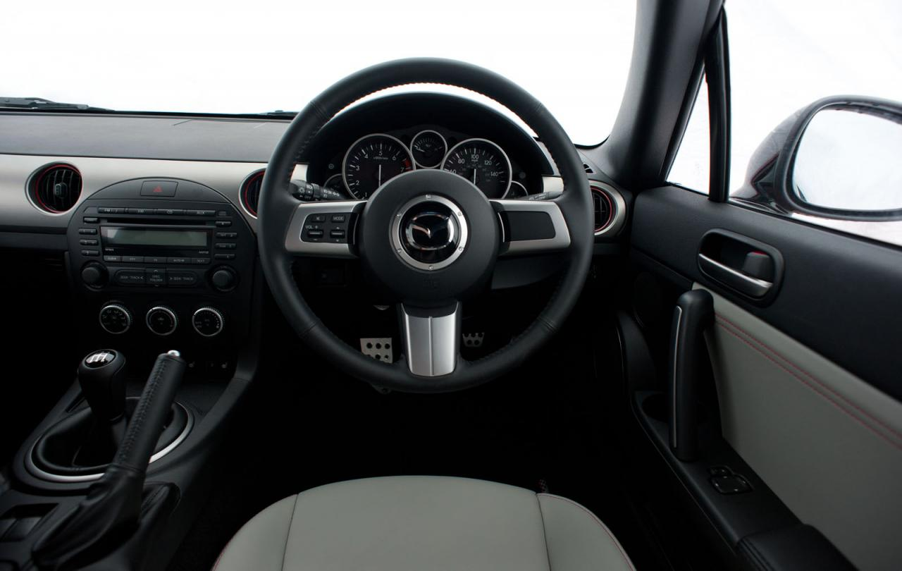 [Resim: Mazda+MX-5+Kuro+3.jpg]