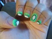 ¿En qué tipo de uñas hay más diseños: uñas de gel o uñas naturales? picmonkey collage