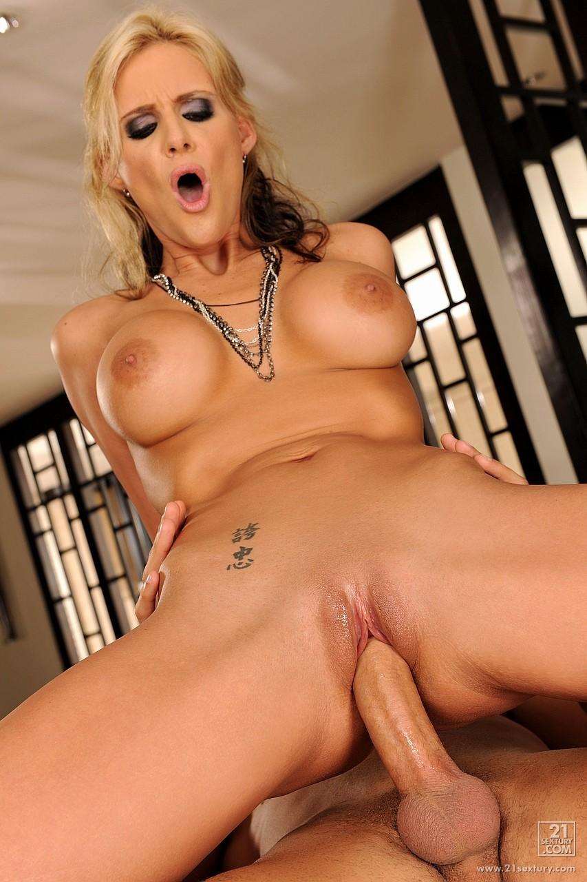 feniks-aktrisa-porno