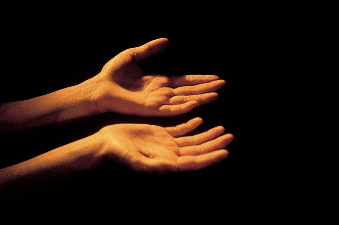Tracce di poesia come sabbia tra le dita - Bagni di paraffina alle mani ...