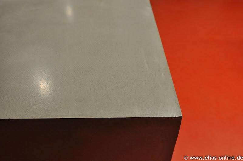 Beton cire oberflachen in beton look beton cire for Beton küchenarbeitsplatte