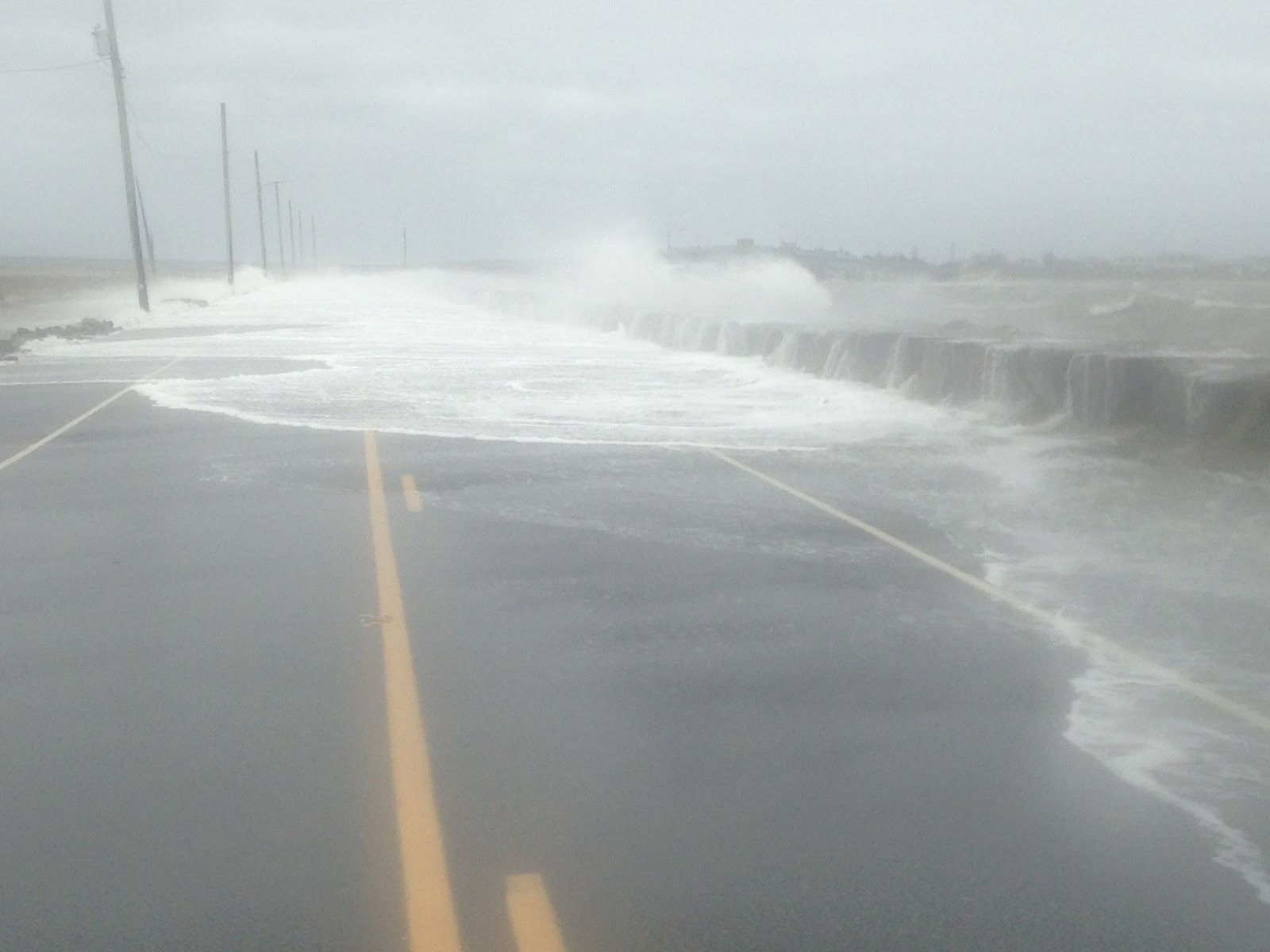 Hurricane hals storm surge blog january 2016 powerful waves crashed over this seawall on the north end of avalon new jersey on the afternoon of sun oct 4 i was trying to drive from avalon to ocean nvjuhfo Choice Image