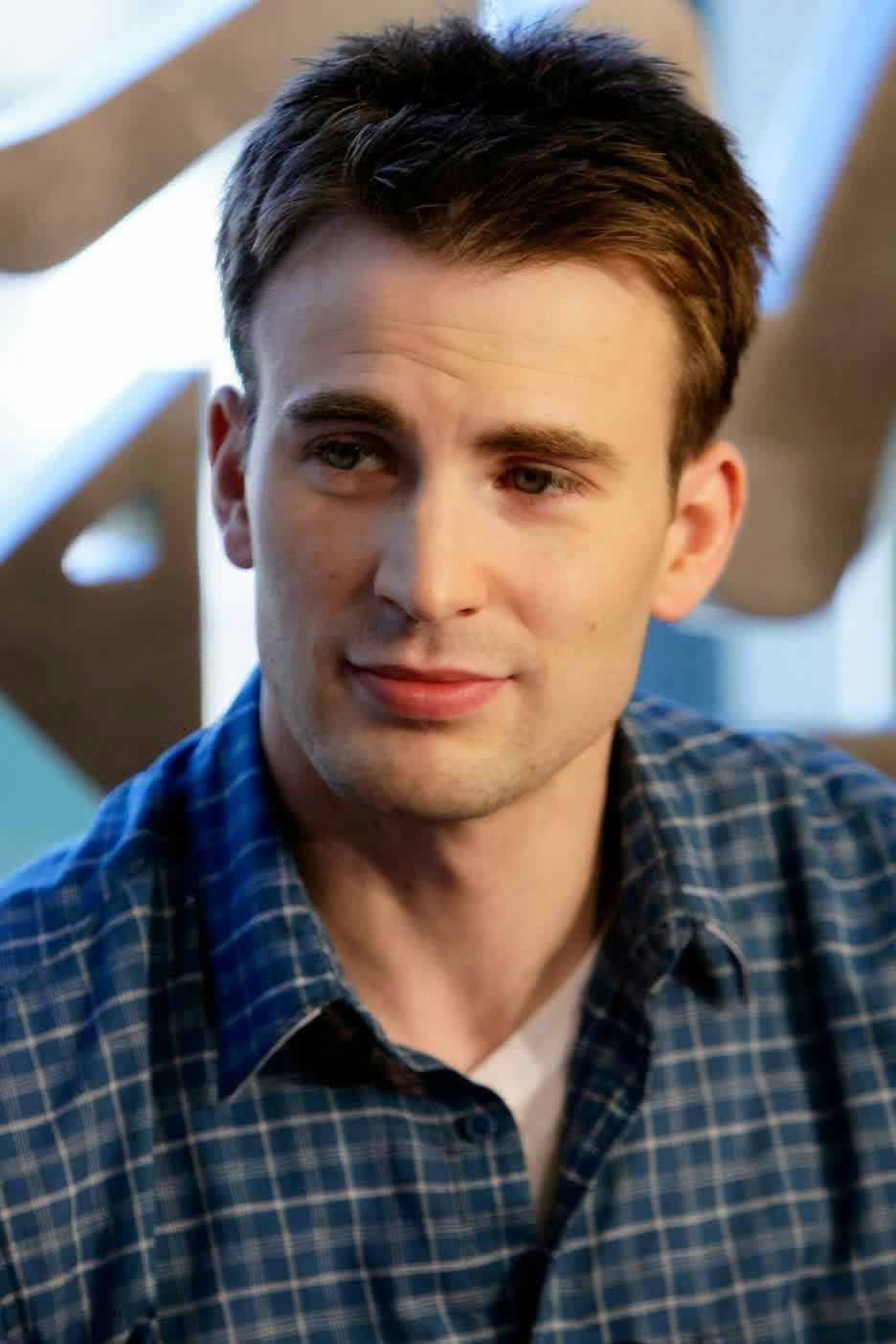 Biodata dan Foto Chris Evans Pemain Film Avengers: Age Of  Ultron 2015