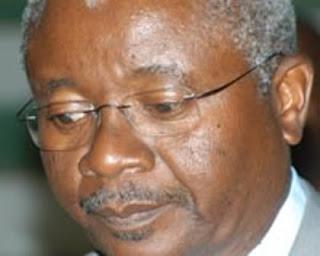 """Advogados criticam Guebuza por """"silêncio estrondoso"""" em caso do chefe da polícia"""