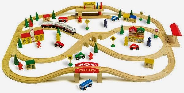 Pequefelicidad 12 juguetes simb licos naturales que te for Juguetes de madera ikea