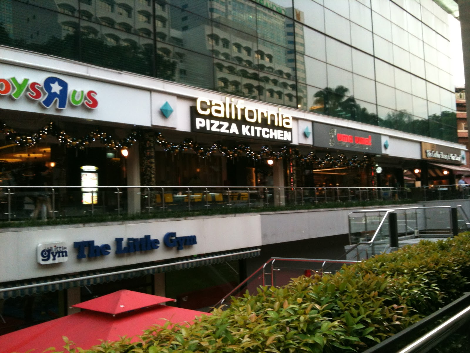 California Pizza Kitchen Singapore
