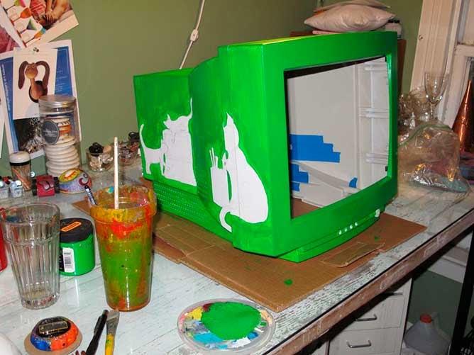 Carcasa de monitor pintada