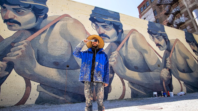 Aryz is currently in states and after having a successful solo show in LA, he recently stopped in Detroit to paint a new street piece. Invited by the people from Library Street Collective, Spanish artist chose his figurative style for this mural.
