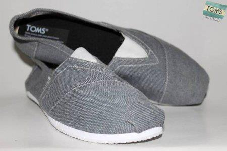 Sepatu Toms TOMS01