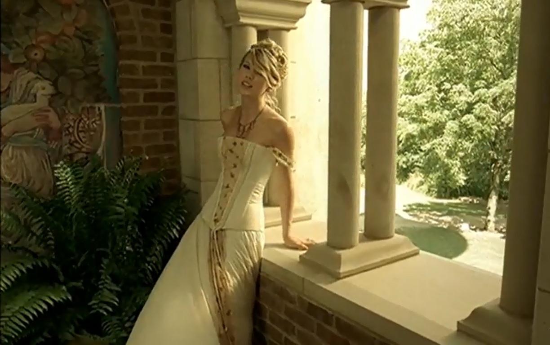 http://4.bp.blogspot.com/-t0cd95mVQQ4/UClAWOOyC3I/AAAAAAAAB1g/xfMmVBK7qz4/s1600/Love-Story-taylor-swift-30532009-1224-768.jpg