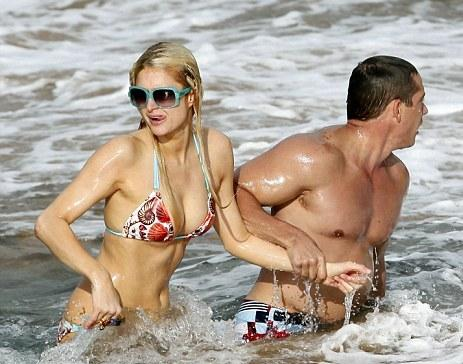 Paris Hilton - Hot Bikini
