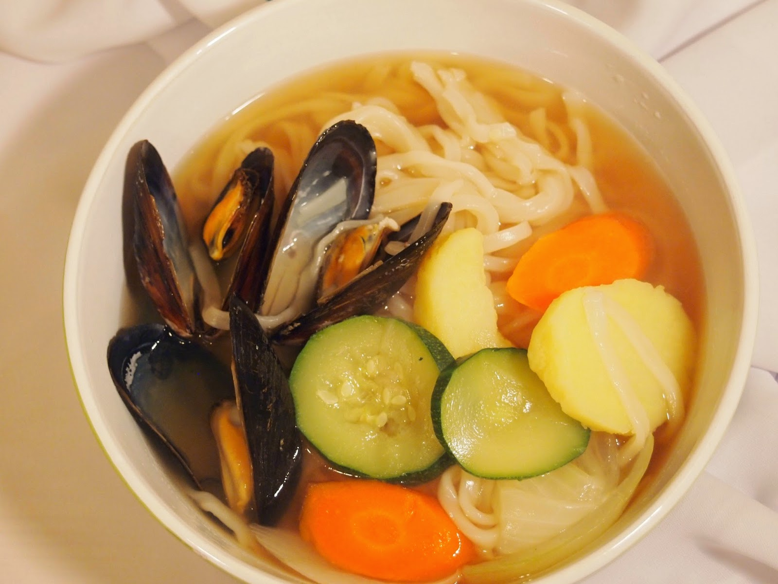 My Korean Table: KalGukSu Korean Mussel and Knife Noodle Soup