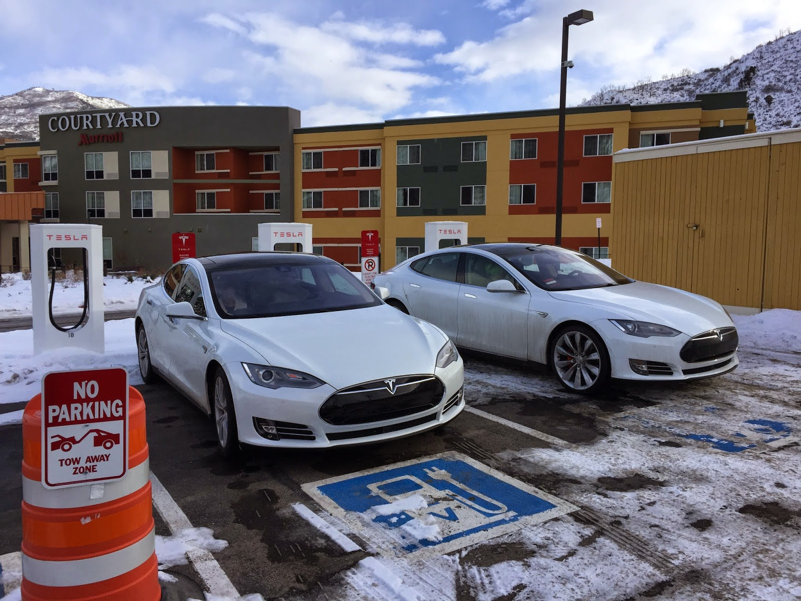 Tesla scharging in Glenwood Springs Colorado