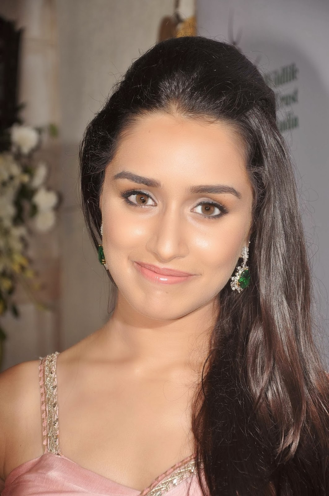 Shraddha+Kapoor+Latest+Hot+Spicy+Pictures007