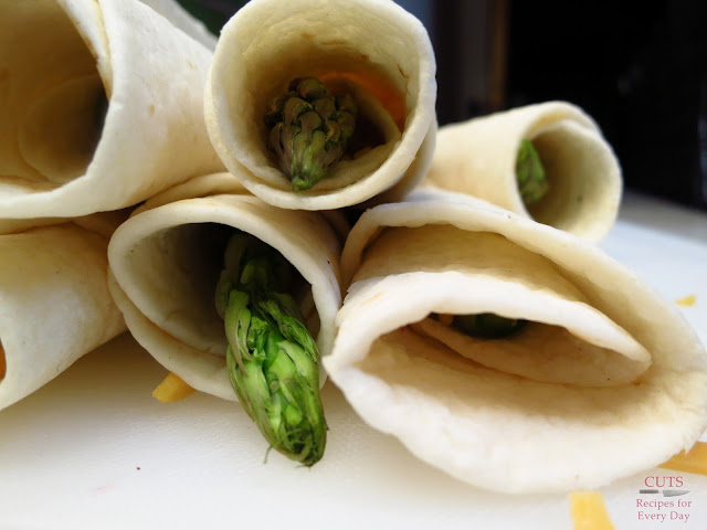 Tortilla-wrapped asparagus