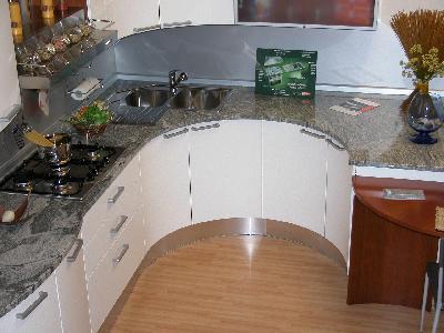 Home sweet home ristrutturare casa e dintorni materiali top cucina quale fa per noi - Piano cucina in granito ...