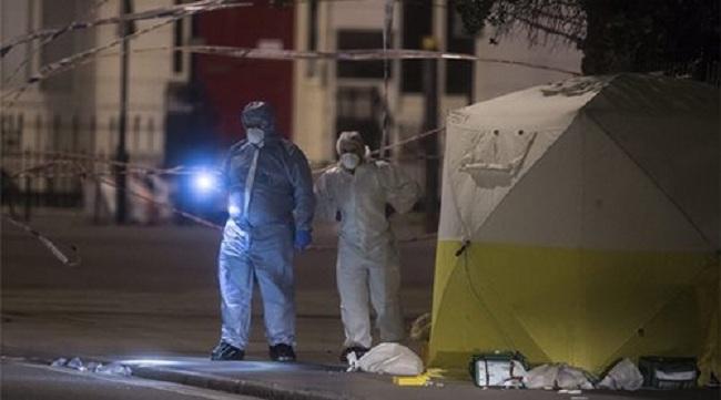 Τρομοκρατική(;) επίθεση με μαχαίρι στο Λονδίνο: 1 νεκρή και 5 τραυματίες